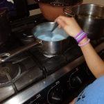 Calentar en la hornilla de la estufa a flama media